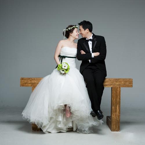 详情   -    咔哆婚纱摄影是一家以婚纱摄影,写真摄影,儿童摄影,广告